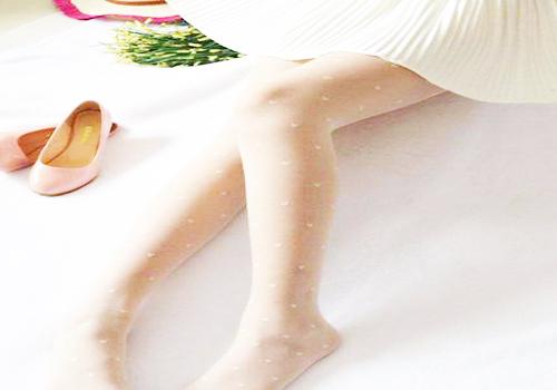 挑选夏天丝袜的方法